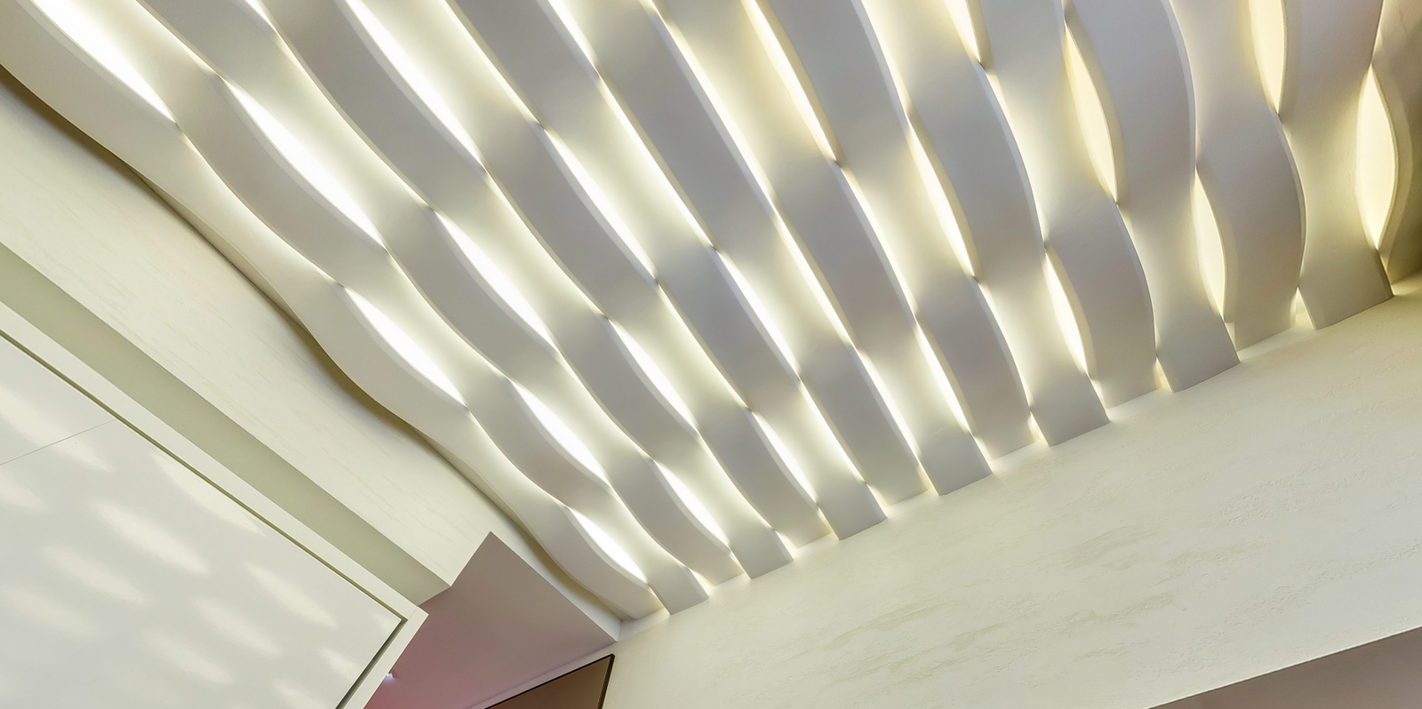 Resized lightwave ceiling